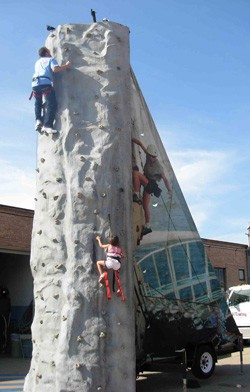 EXT - Rock Wall 25' - 3 Climber #01 +
