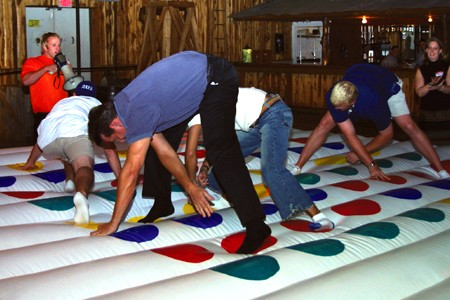 INT - Inflatable Giant Twister +